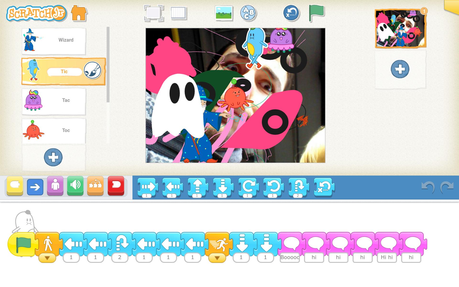 ScratchJr program animujúci viacero monštier